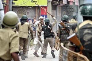 Συνεχίζονται οι ταραχές στο Κασμίρ