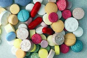 Ινδός εστιάτορας «σέρβιρε» ναρκωτικά χάπια στα Οινόφυτα