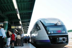 Σε λειτουργία δυο νέοι σταθμοί του προαστιακού σιδηρόδρομου