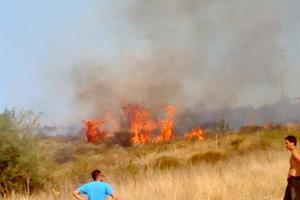 Σε εξέλιξη οι φωτιές σε Κύθηρα και Ιεράπετρα