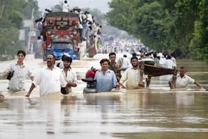 Ανθρωπιστική βοήθεια στο Πακιστάν