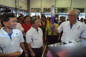 Η Ολυμπιακή φλόγα έφθασε στην Σιγκαπούρη