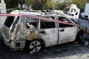 Στόχος εμπρηστών οχήματα διπλωματικών σωμάτων