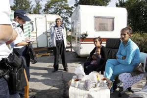 Άμεση αναστολή των απελάσεων των Ρομά