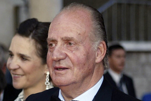 «Πολιτική απόφαση» η παραίτηση του Ισπανού βασιλιά