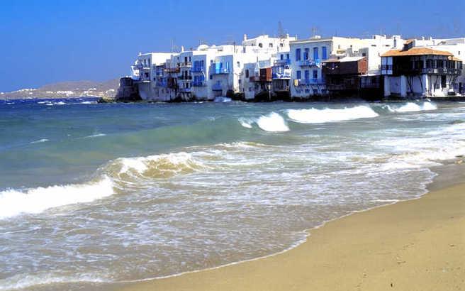 Στο 18,63% ανέρχεται η συμβολή του τουρισμού στην ελληνική οικονομία