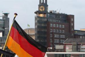 Ανάπτυξη αλλά με πιο αργούς ρυθμούς για τη γερμανική οικονομία