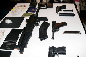 Ολόκληρο οπλοστάσιο βρέθηκε στο διαμέρισμα της Θεσσαλονίκης!