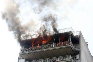 Στις φλόγες παραδόθηκε διαμέρισμα στην Πάτρα