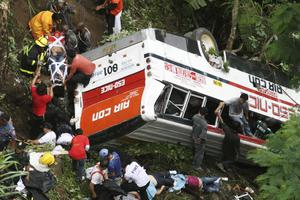 Τριάντα πέντε νεκροί σε τροχαίο δυστύχημα στις Φιλιππίνες