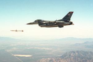 Νεκρός ο ένας χειριστής από τη σύγκρουση των F-16