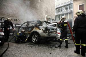 Φωτιά σε αυτοκίνητα Διπλωματικού Σώματος