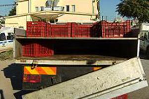 Λαθρομετανάστες «τρύπωσαν» σε φορτηγό