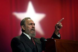Ο Φιντέλ Κάστρο προσπαθεί να αποτρέψει τον πυρηνικό πόλεμο