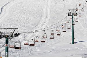 Το χιονοδρομικό στο Καϊμακτσαλάν ανθίσταται στην καλοκαιρία