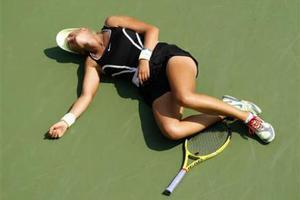 Λιποθύμησε παίχτρια τένις από τη ζέστη