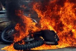 Κάηκε μηχανή στην Αθήνα
