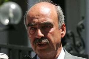 «Δεν μπορούμε να μειώσουμε τη βουλευτική αποζημίωση»