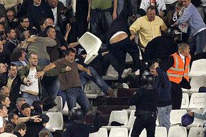 Η βία στα γήπεδα στο επίκεντρο