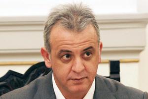 «Υπάρχει έλλειψη πολιτικής διεύθυνσης στο ΠΑΣΟΚ»