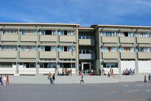 Παρεμβάσεις σε σχολεία του Γαλατσίου με γνώμονα την ασφάλεια των μαθητών