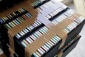 Δέκα συλλήψεις για παράνομα CD-DVD και λαθραία τσιγάρα