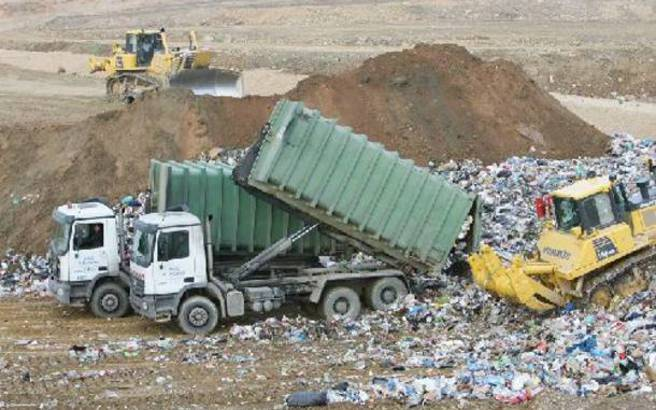 Στο ΧΥΤΑ Θηβών θα μεταφερθούν 1.500 τόνοι σκουπίδια από τον Πύργο