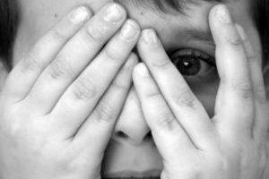 Φριχτός θάνατος μέσα σε ντουλάπα για δύο παιδιά