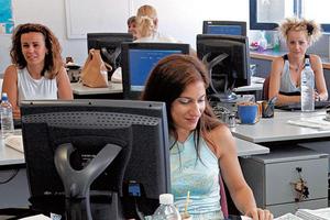 Από τον Απρίλιο οι μειώσεις μισθών δημοσίων υπαλλήλων