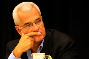 «Ο νόμος για την προβολή των υποψηφίων είναι ανόητος»