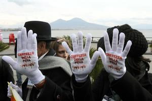 Σοκάρει και πάλι η μαφία στη Νάπολη