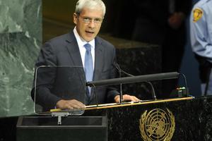 Το Συμβούλιο της Ευρώπης βραβεύει τον Σέρβο πρόεδρο
