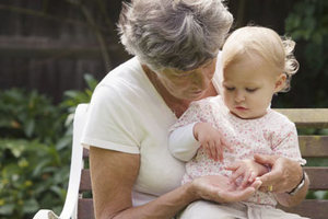 Απεργούν οι γιαγιάδες και οι παππούδες!