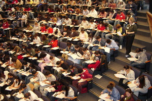 Ένας στους δέκα φοιτητές παίρνει πτυχίο