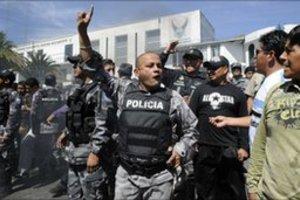 Συλλαμβάνονται 300 αστυνομικοί!