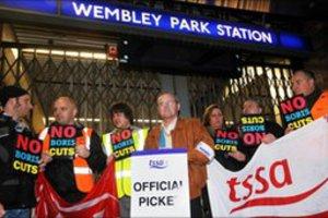 Κυκλοφοριακό χάος στο Λονδίνο από την απεργία στο μετρό