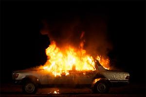 Κάηκαν δύο αυτοκίνητα τα ξημερώματα