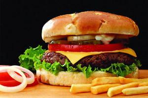 Κρίσεις άσθματος προκαλεί το πρόχειρο φαγητό