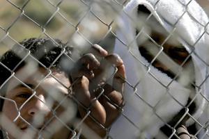 Σύμφωνο κατά της λαθρομετανάστευσης ζητά η Λε Πεν