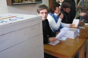 Μειωμένο προσωπικό στα ειδικά εκλογικά συνεργεία
