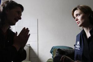 Δεν έπεισε τη Βοσνία η ιστορία αγάπης της Τζολί