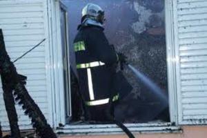 Κάηκε διαμέρισμα από αναμμένη σόμπα