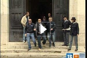 Δεκαέξι μέλη της ιταλικής μαφίας έπεσαν στα χέρια των αρχών