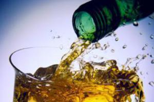 Πλουτίζουν από το λαθρεμπόριο οινοπνευματωδών ποτών