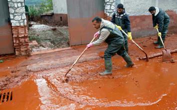 Τοξική λάσπη σκοτώνει τα πάντα στην Ουγγαρία