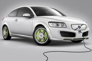 Διπλάσιες πωλήσεις ηλεκτρικών αυτοκινήτων αναμένονται φέτος στη Βρετανία