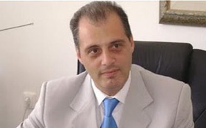 Ο Κ. Βελόπουλος έβγαλε 400.000 ευρώ στο εξωτερικό