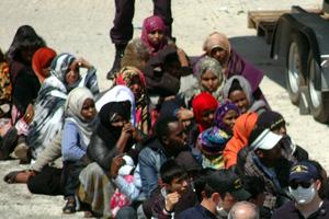Συνεχίζονται οι επιχειρήσεις διάσωσης παράτυπων μεταναστών