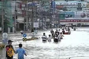 Στους 140 οι νεκροί από τις πλημμύρες στην Ταϊλάνδη