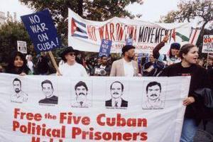 Άλλοι τρεις πολιτικοί κρατούμενοι απελευθερώνονται